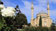 Bakü Şehitlik Camii yeniden ibadete açıldı