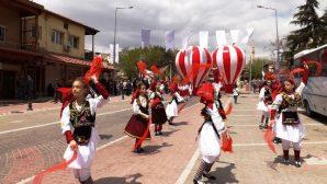 Dünya Çocukları Uluslararası 23 Nisan Çocuk Şenliği İçin Avanos'taydı